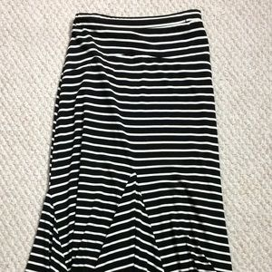 918 maxi black & white stripe skirt with flare szL